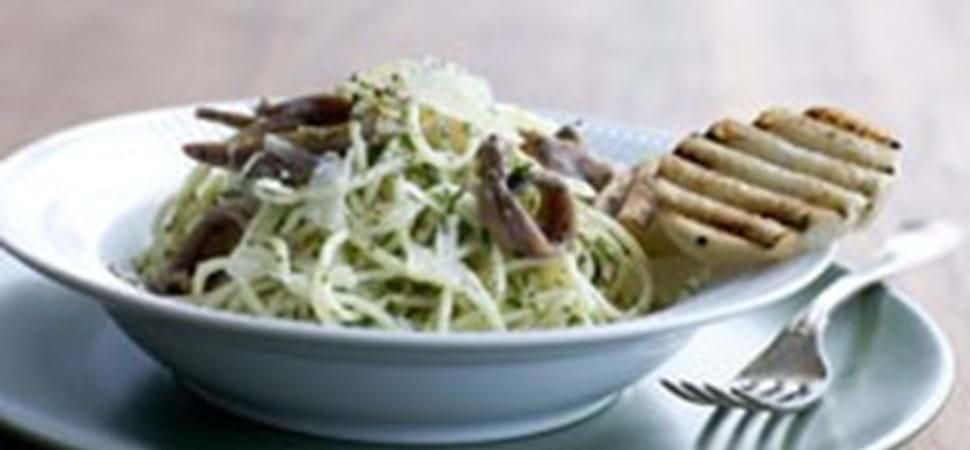Spaghetti opskrift med persillesmør og ansjos